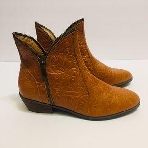 Pazzo Leather Boho Boots. Size 8.5
